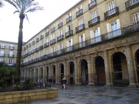 guia bilbao 1 PLAZANUEVA11 480x359 Plaza Nueva