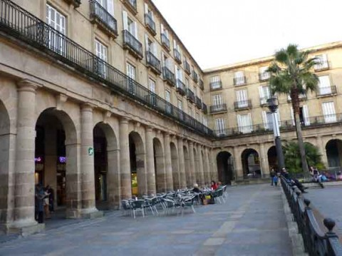 guia bilbao 1 PLAZANUEVA51 480x359 Plaza Nueva